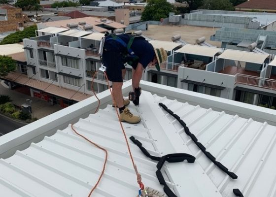 RTL Trades Roofer completing a roof install
